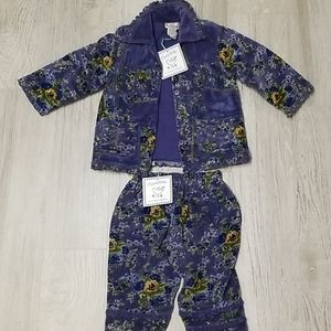 Girls 2 piece crushed velvet suit
